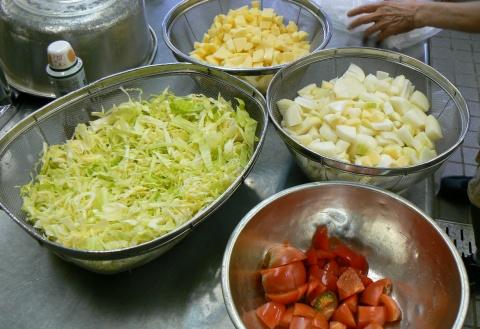 キャンプ料理の野菜